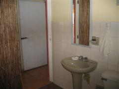 bathroom sink + toilet of 2_1 suite