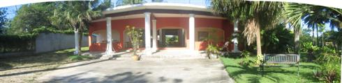 Vecinos front of common area