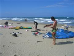 Kiteboarder renters set up at Vecinos beach